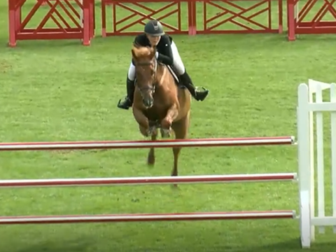 Florence Polland & Gerswin win The All England 1.20m Amateur Championship