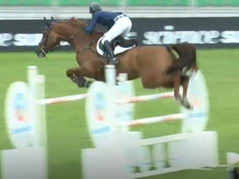 Harriet Nuttall & Galway Bay Jed win The Science Supplements All England Grand Prix